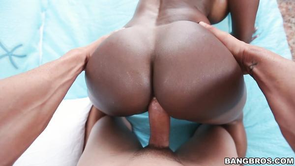 Horny mature porn star Diamond Jackson show fucking hardest in doggy style