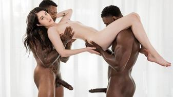 Blacked – Evelyn Claire – Room For One More