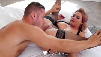 Sexy MILF Phoenix Marie digging her wet cunt with big gun