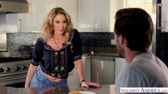 Naughtyamerica - My Friends Hot Mom - Farrah Dahl, Lucas Frost
