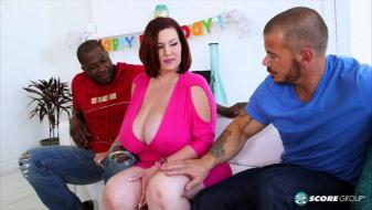 Pornmegaload - Paiges Interracial Threesome