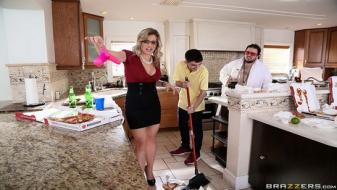 Brazzers - Mommy Got Boobs - Post Party Quickie For Mommy