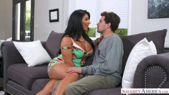 Naughtyamerica - My Friends Hot Mom - Raven Hart, Tyler Nixon