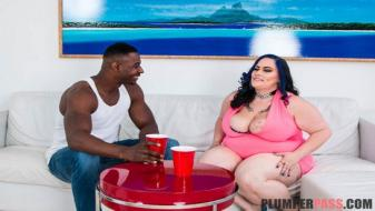 Plumperpass - House Warming Pussy