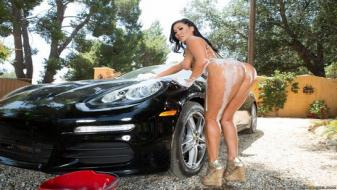 Brazzers - Big Wet Butts - Hot Rod Hussie