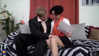 Maturenl - Horny housewife doing her toyboy