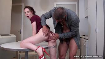 Jacquieetmicheltv - Total anal pour Cathy !