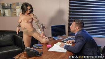 Brazzers - Big Tits At Work - A Run For His Money
