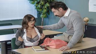 Brazzers - Big Tits At School - My Professor Thinks Im Perfect