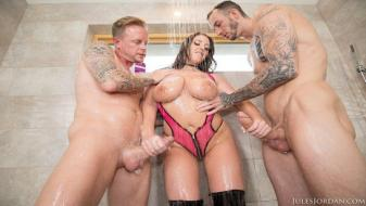 Julesjordan - This Big Tit Aussie Gets Dpd
